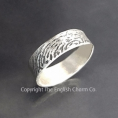 Flattie Fingerprint Ring